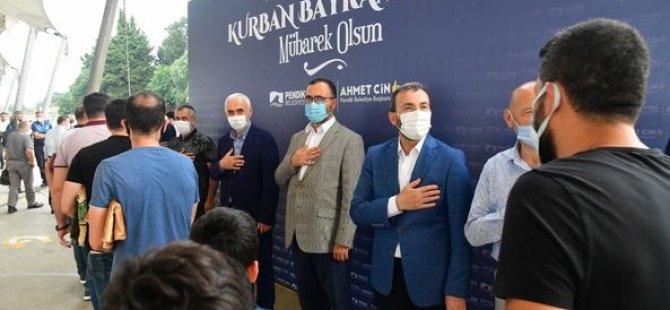 Pendik Belediye Başkanı Ahmet Cin Sahilde Vatandaşlarla Bayramlaştı